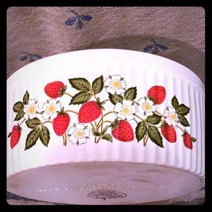 Vintage Sheffield stoneware casserole dish